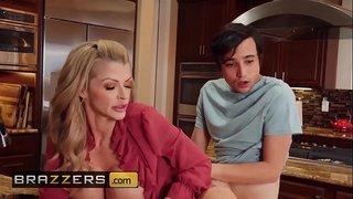 سكس محارم نيك زوجة عمى الفرسة فى المطبخ بعنف فيديو عربي